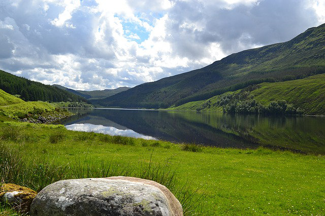 Discover the Scottish Highlands by Bus